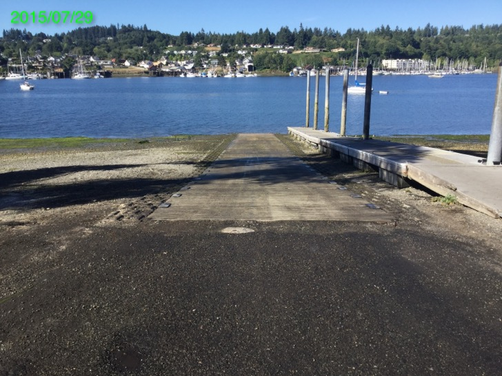 Gig Harbor Boating Dock With Water